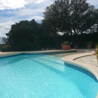 Le Magnolia, villa met zwembad in Creissan